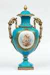 Large Coalport China Works vase, showcased in the 1862 International Exhibition in London.