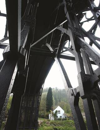 IRON BRIDGE DRAMATIC 1.jpg