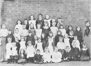 1992.7710 Stirchley School 1902.jpg (1)